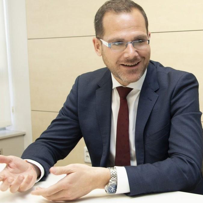 Carlos-Manchado
